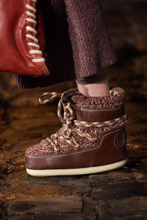 Φθινοπωρινά παπούτσια τάση 2021 μπότες πεζοπορίας και μποτάκια