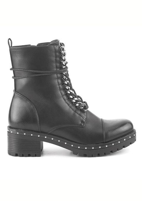 Fichamos las botas de Olivia Palermo en versión low-cost. No te pierdas éste y otros complementos.