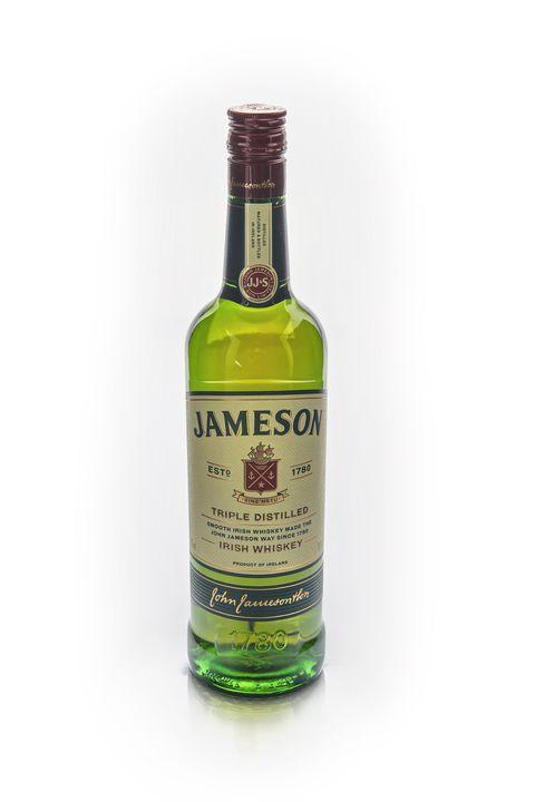botella de jameson irish whiskey