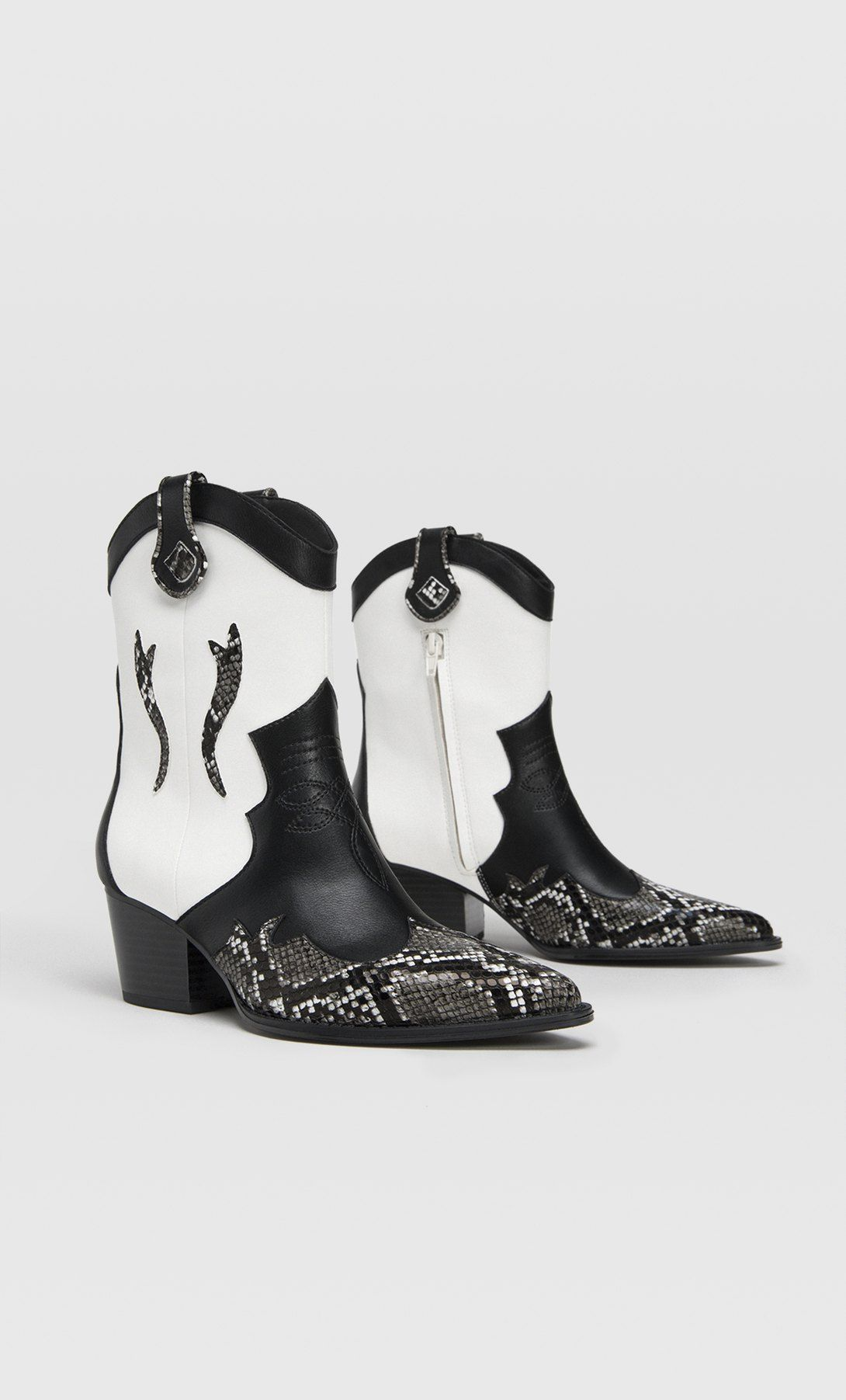Estos botines cowboy estampados de Stradivarius serán tu 'must'