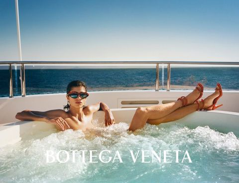 Bottega Veneta Lente/Zomer 2020 campagne met MicaArganaraz.
