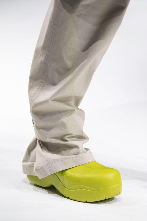 Footwear, White, Shoe, Yellow, Trousers, Sneakers, Beige, Boot,