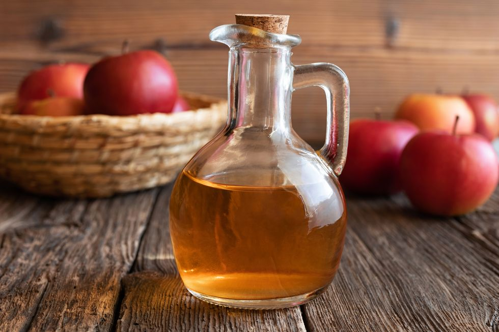 The Truth About Apple Cider Vinegar and  Weight Loss thumbnail