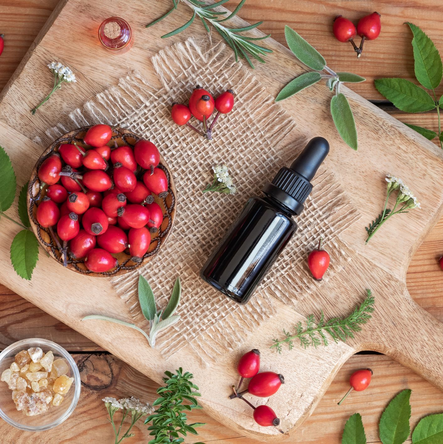8 Benefits of Rosehip Oil For Your Skin