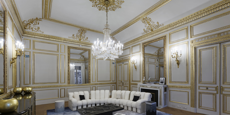 Beautiful Jewelry Boutiques – Pretty Jewelry Salon Interiors