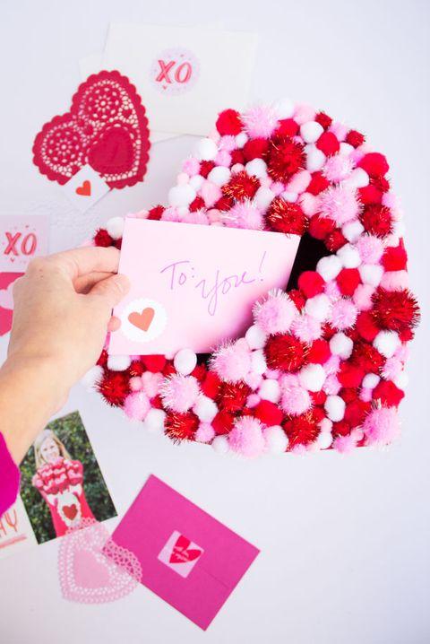 pom pom heart box
