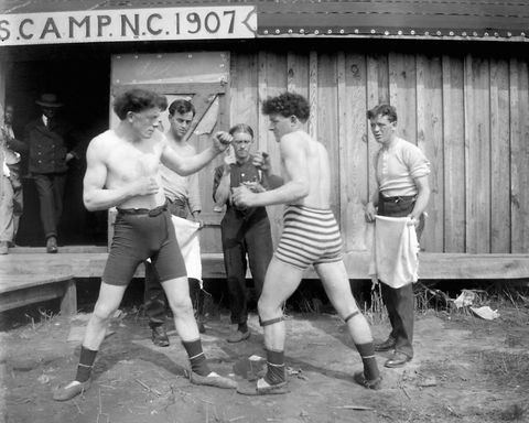 Boxing match outside in North Carolina, ca. 1907.