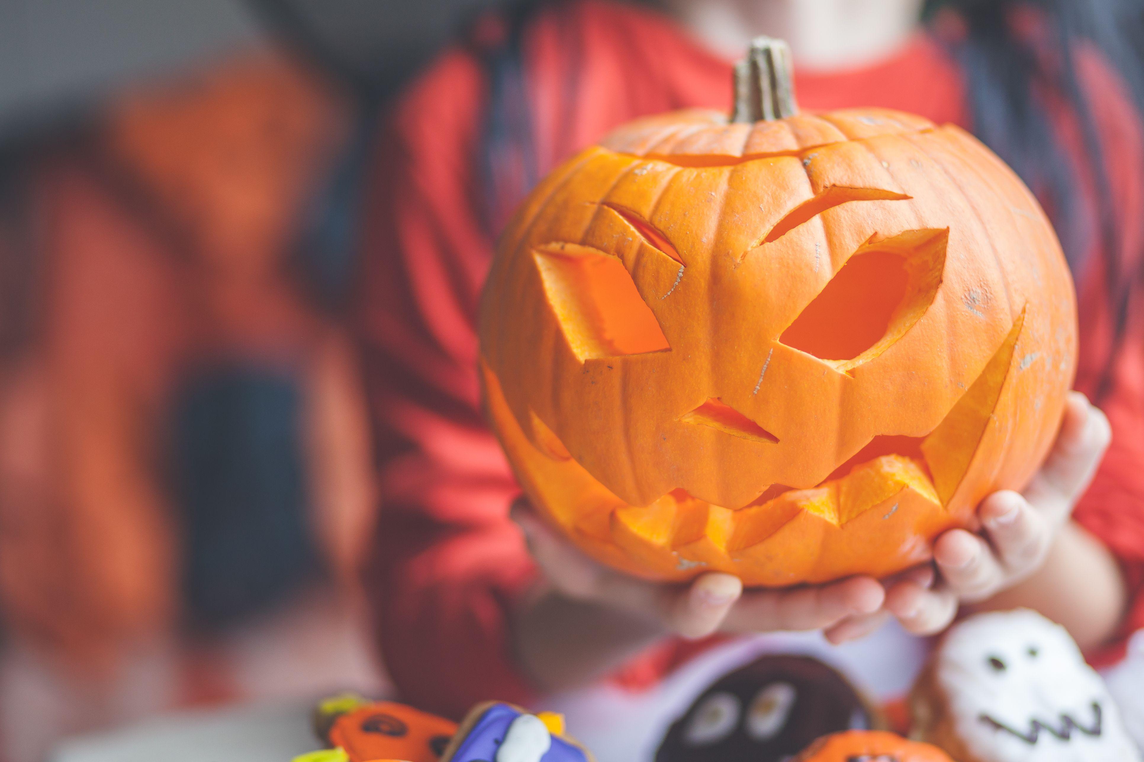 30 fun halloween trivia & facts - interesting halloween stats