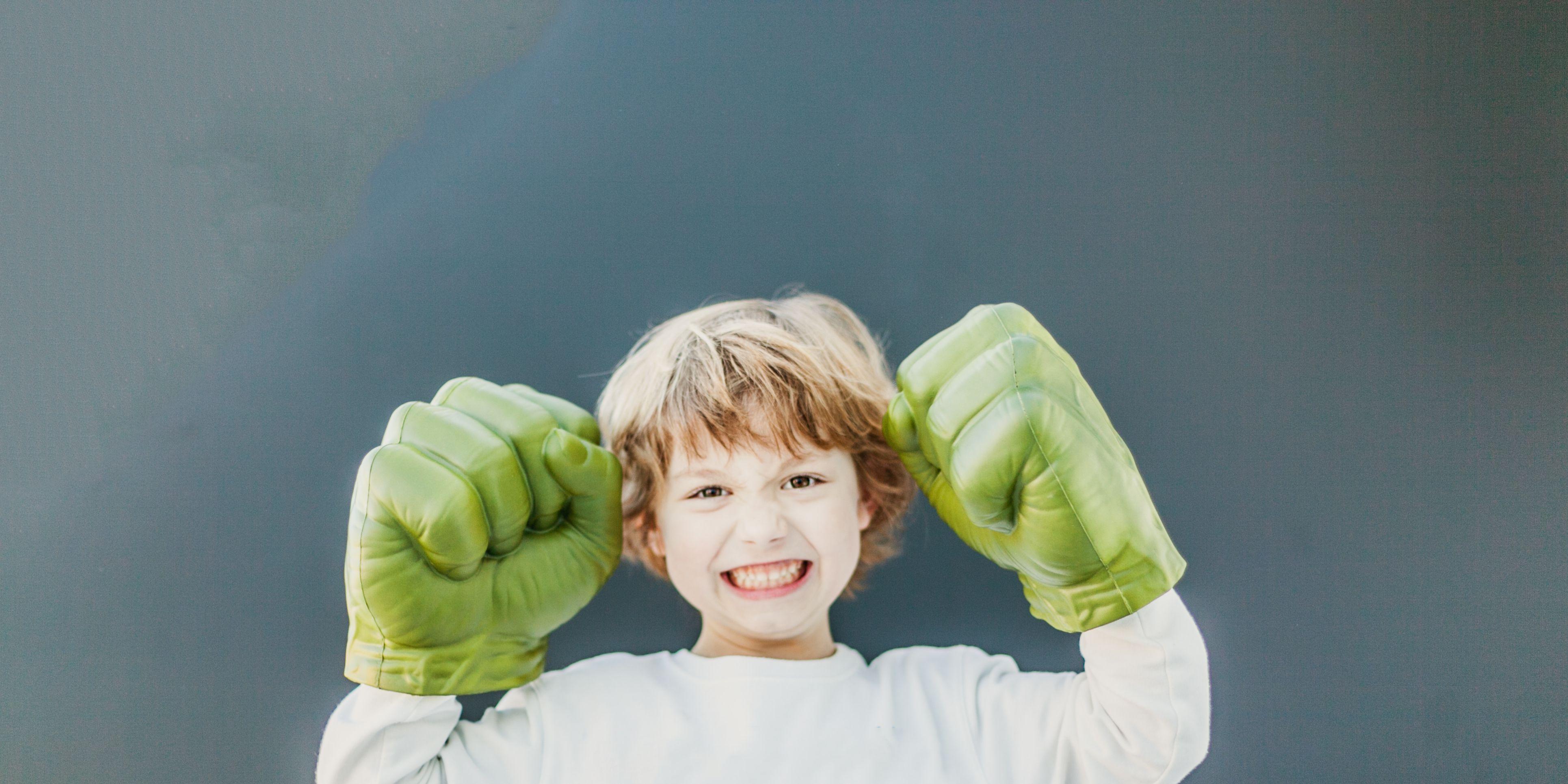 Niño feliz y optimista