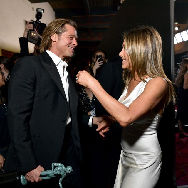 Brad Pitt and Jennifer Aniston Had a Photographed Affectionate(!!!) Reunion at the SAG Awards