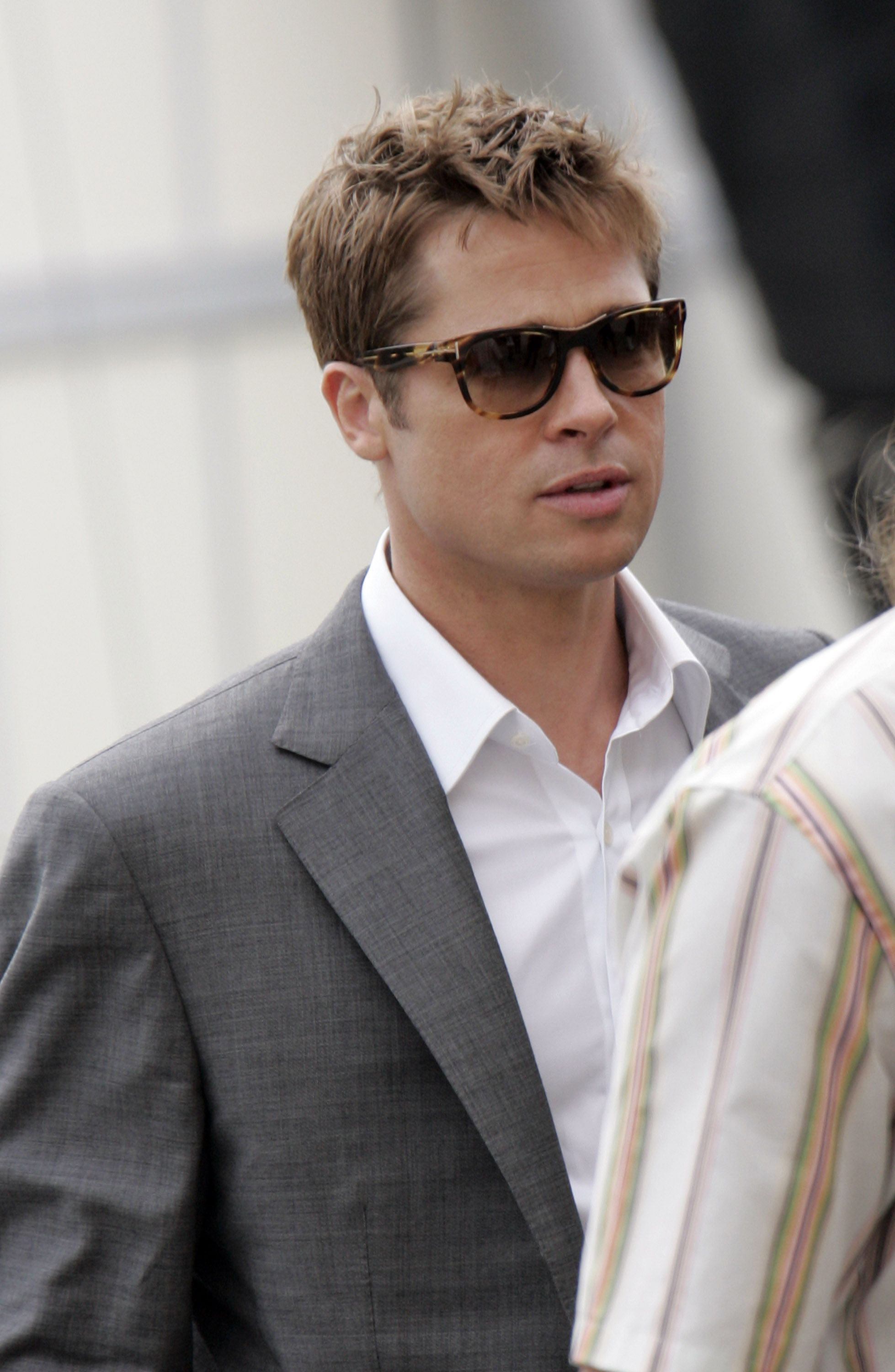 3c18e08c4a2 Here are 32 Photos That Show Brad Pitt Has Barely Aged Over the Years