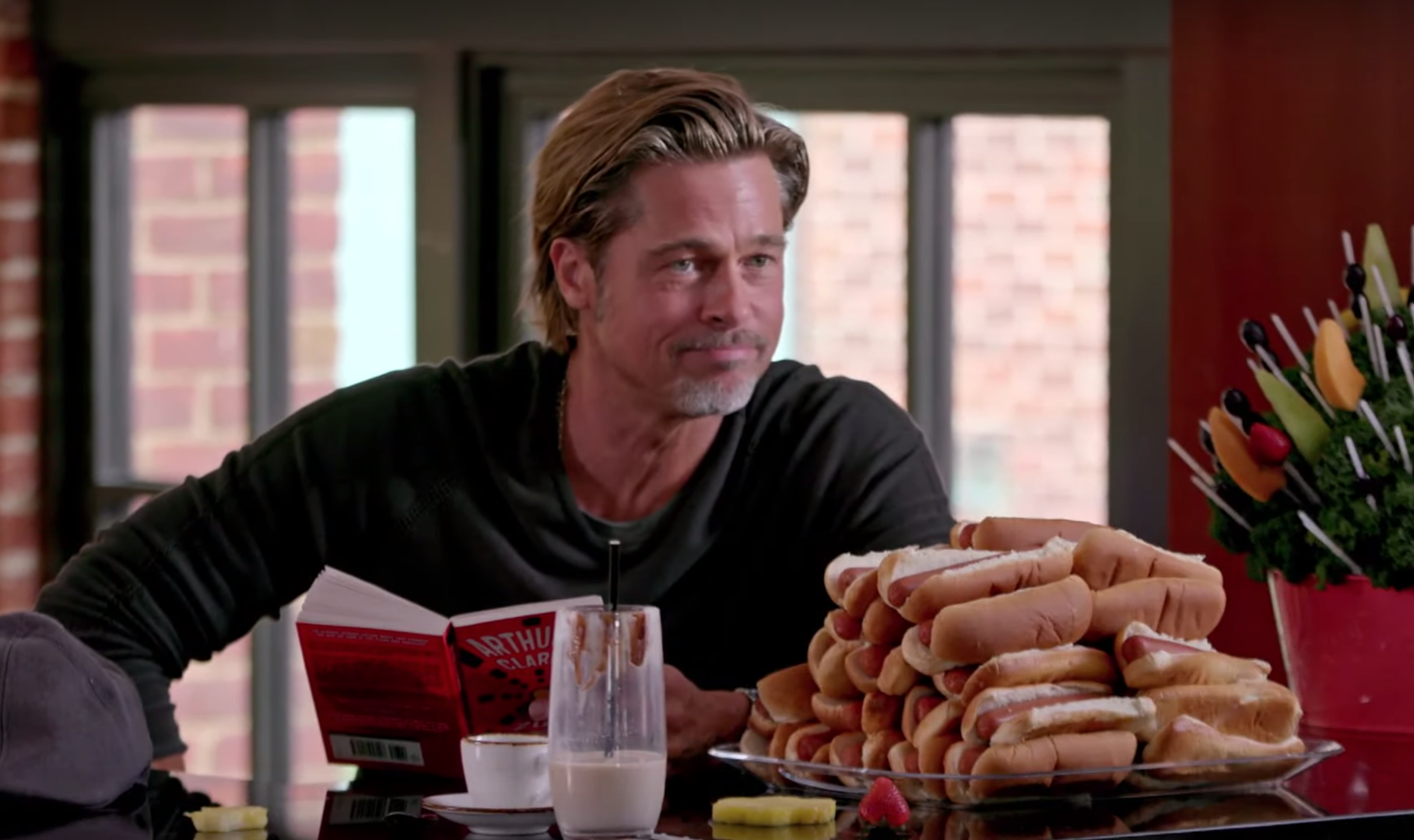 Watch Brad Pitt And Jimmy Fallon Have A Food Battle Involving 30 Hot Dogs