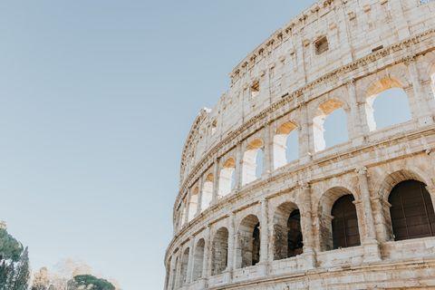 Landmark, Ancient roman architecture, Architecture, Ancient rome, Amphitheatre, Arch, Ancient history, Classical architecture, Historic site, Building,