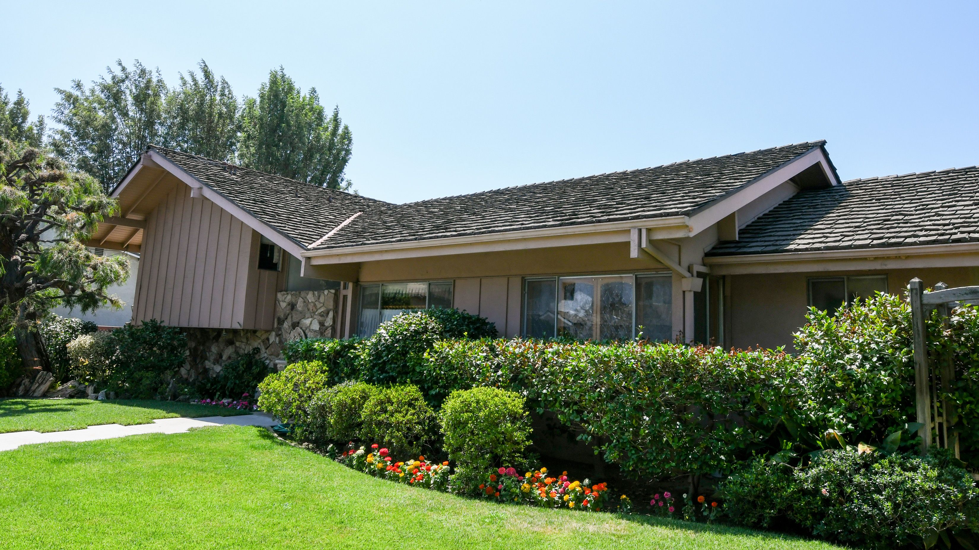 Hgtv just bought the house from the brady bunch