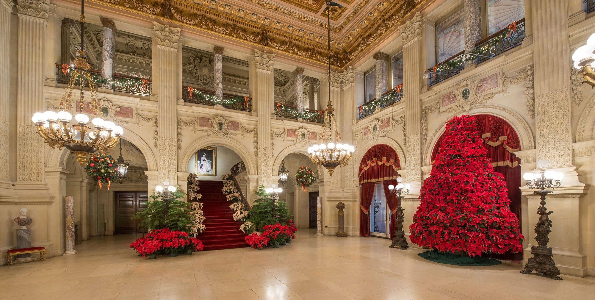 Newport Mansions Christmas 2021 How Newport S Mansions Are Decorated For Christmas The Breakers Christmas Decor Is Legendary