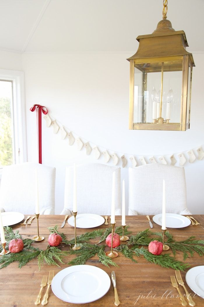 16 DIY Christmas Centerpieces For The Most Festive Table Ever