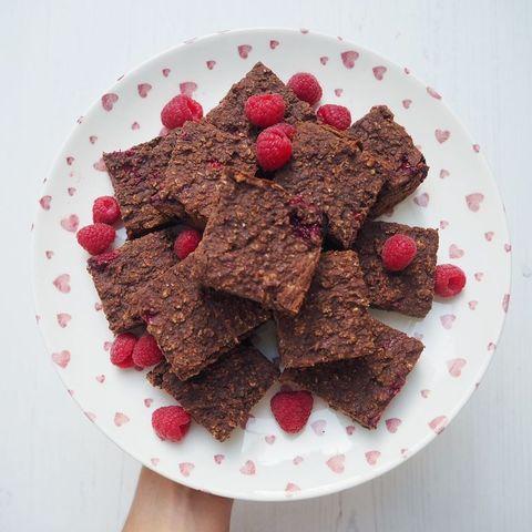 Food, Cuisine, Chocolate brownie, Dish, Flourless chocolate cake, Ingredient, Dessert, Chocolate, Baked goods, Produce,