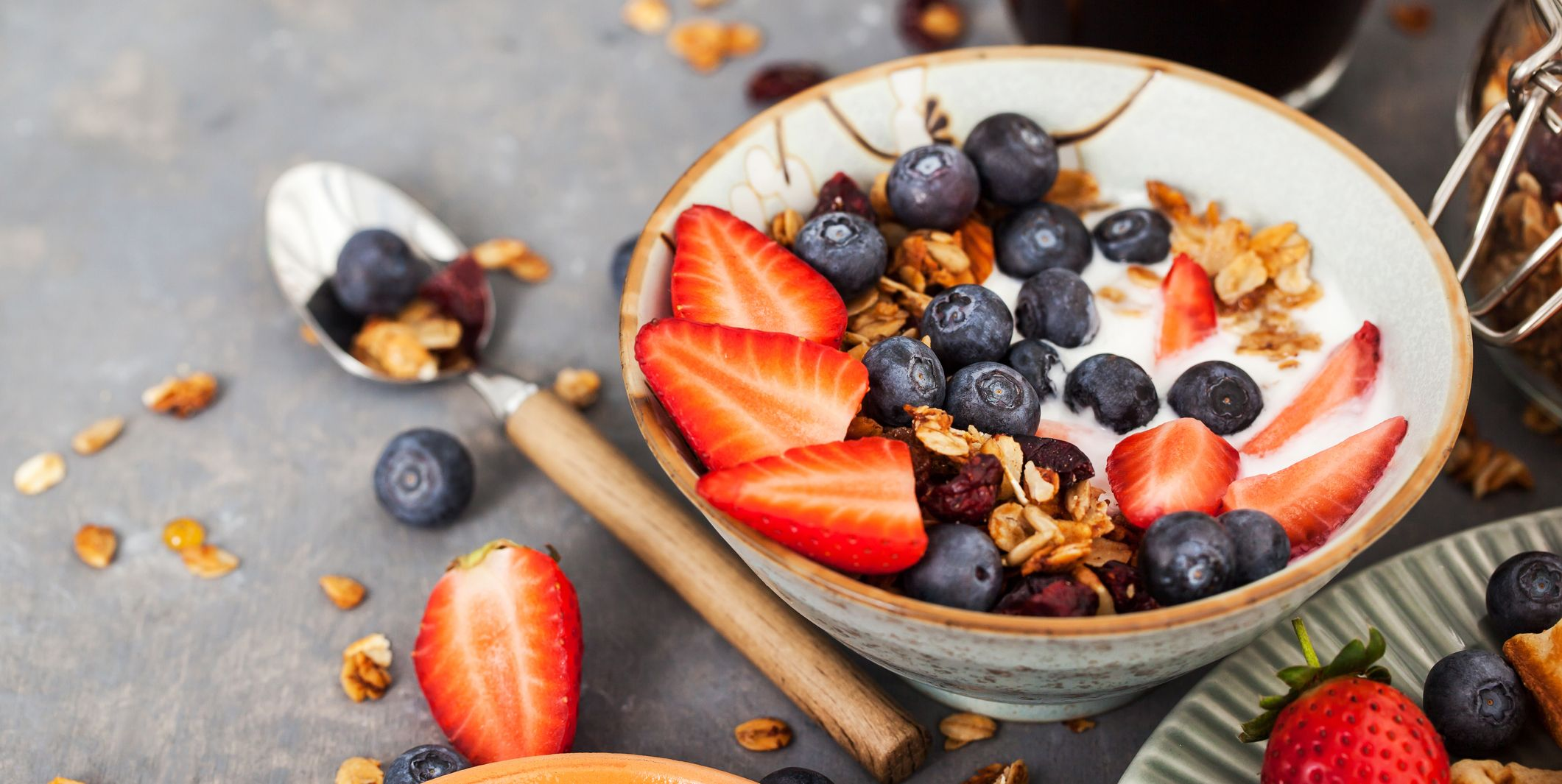 Healthy Snack Tips and Ideas from Nutritionist Joy Bauer
