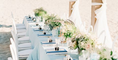 aa787ad6cb9096 Bringing Style to a Beach Wedding