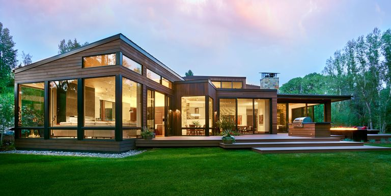24 best modern houses with curb appeal modern architecture for Modern estate home plans