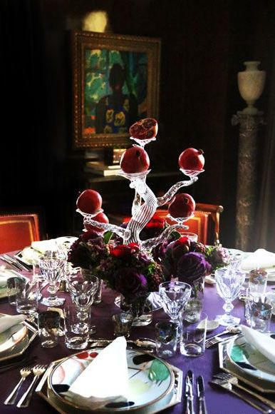 Centrepiece, Red, Table, Flower, Rehearsal dinner, Still life, Tableware, Room, Design, Textile,