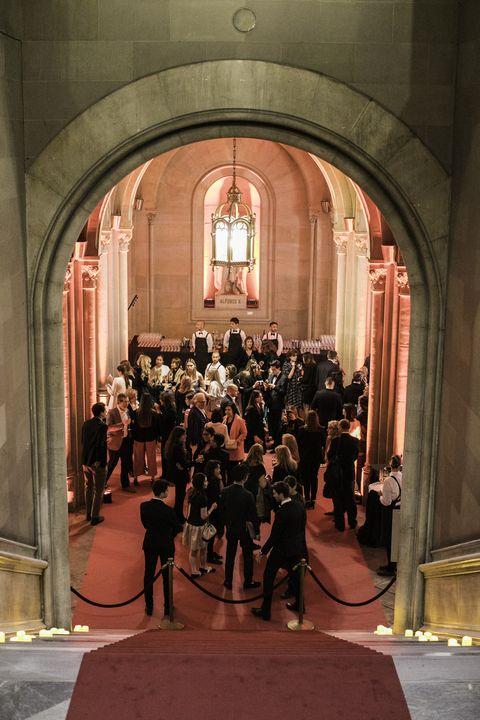 Aisle, Event, Building, Architecture, Musical ensemble,