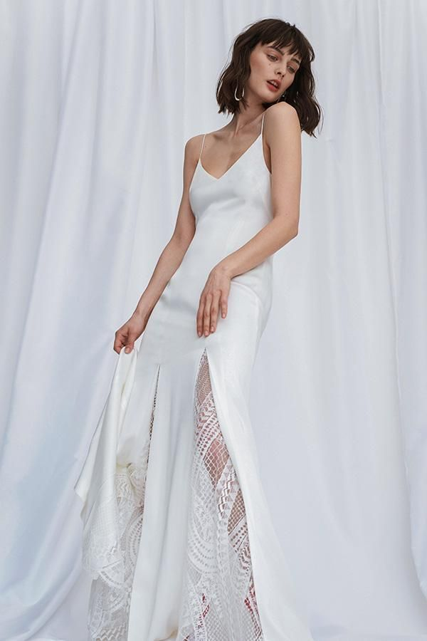 fe9ab21f6ab8 70 Best Bohemian Wedding Dresses - Boho Wedding Dress Ideas for Hippie  Brides