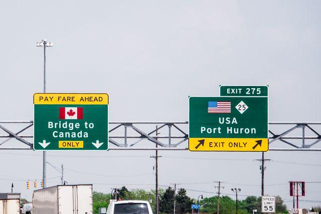bridge to canada sign