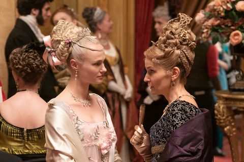 bridgerton l to r jessica madsen as cressida and joanna bobin as lady cowper in episode 107 of bridgerton cr liam danielnetflix © 2020