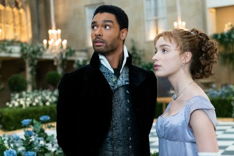 regÉ jean page as simon basset and phoebe dynevor as daphne bridgerton in episode 108 of bridgerton