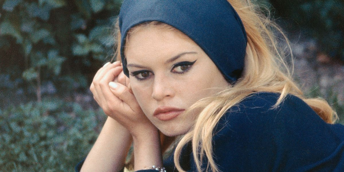 La storia controversa dI Brigitte Bardot, da bambina infelice a donna simbolo di massima femminilità