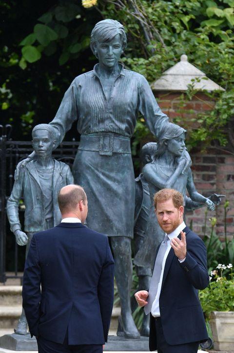 royals statue