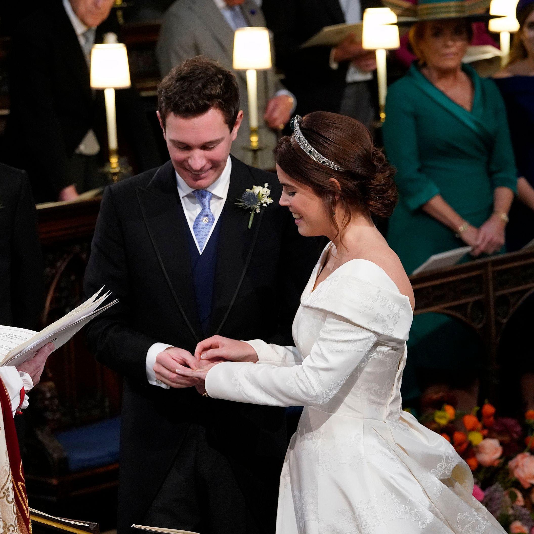 Princess Eugenie Engagement Ring Photos Of Eugenie S Gorgeous