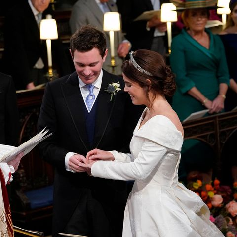 Princess Eugenie Engagement Ring Photos Of Eugenie S Gorgeous