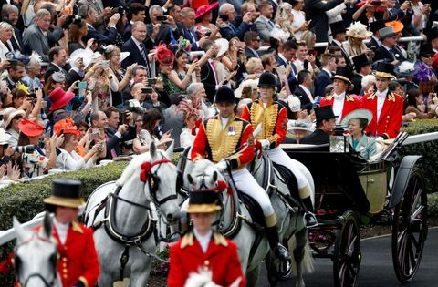 queen elizabeth princess anne carriage procession royal ascot ladies day