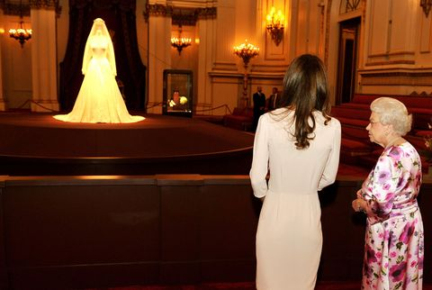 Gaun pengantin Kate Middleton dulu juga pernah dipamerkan selama 10 minggu (dok. Elle)