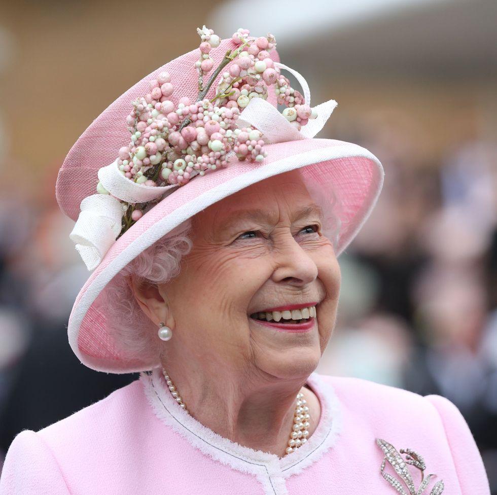 queen elizabeth garden party buckingham palace BRITAIN-ROYALS