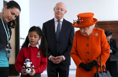 queen elizabeth science museum robot