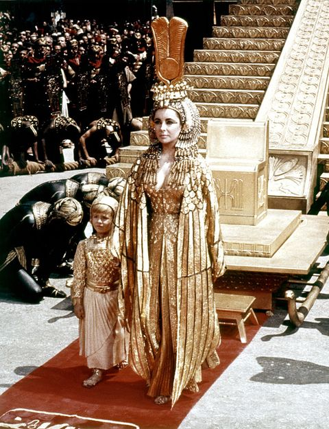 on the set of cleopatra