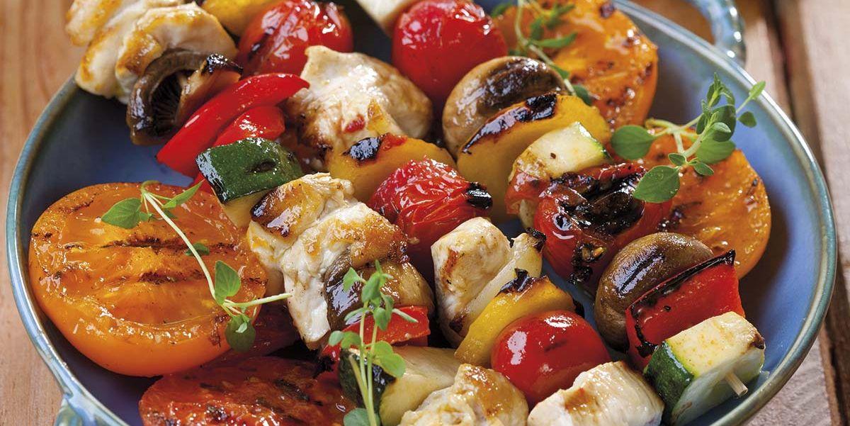 Recetas para la Barbacoa (BBQ): Brochetas de pollo marinado y verduras
