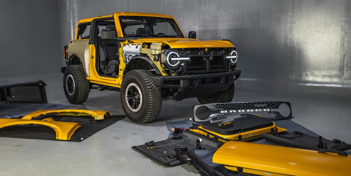 Learn How to Remove the Ford Bronco's Doors and Roof, and See Cool Features
