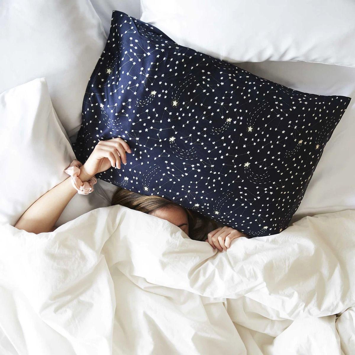 10 Best Silk Sheets For 2020 Luxurious Silk Sheet Sets,Van Gogh Study Of Bedroom In Arles
