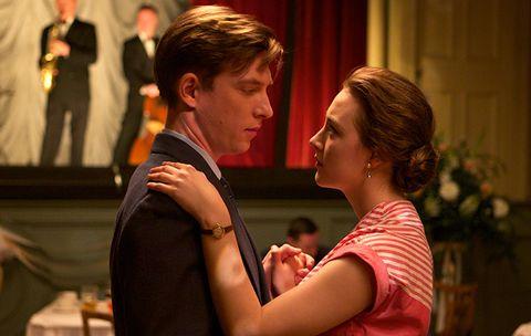 'Brooklyn' (2015), con Saoirse Ronan y Domhnall Gleeson.