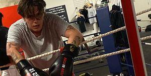 Brooklyn Beckham entrenamiento