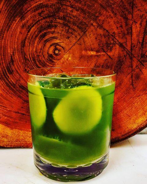 Drink, Green, Highball glass, Cocktail, Alcoholic beverage, Non-alcoholic beverage, Distilled beverage, Liqueur, Caipirinha, Sour,