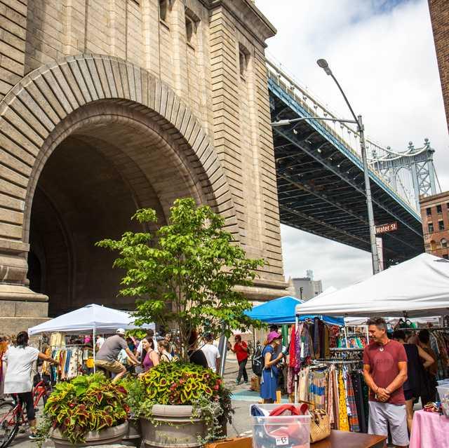 Market, Bazaar, Marketplace, Public space, City, Building, Human settlement, Town, Architecture, Flea market,