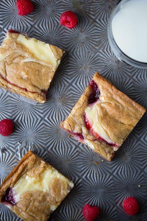 raspberry swirl cheesecake blondies recipe