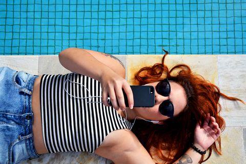 Eyewear, Sunglasses, Cool, Beauty, Glasses, Summer, Leg, Lip, Photo shoot, Photography,
