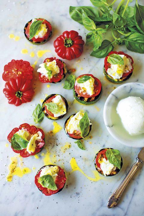 bruschetta de calabacín y tomate
