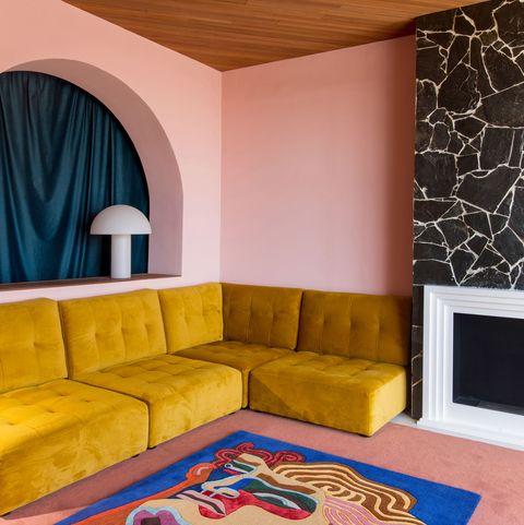 albert madaula pintor y fundador de palmera studio ha diseñado alfombras para bsb co